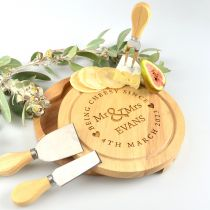 Personalised Engraved Bride & Groom Round Cheese board and knife set Present